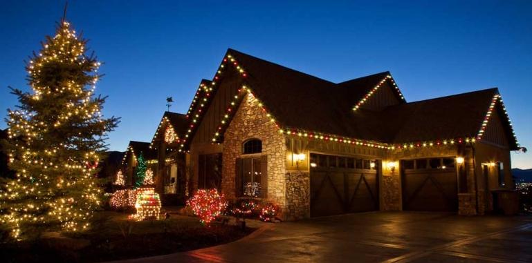 - We Hang Christmas Lights - Elko, NV