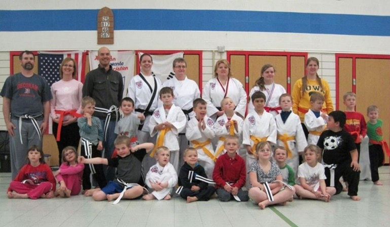 4Kicks Family Taekwondo thumbnail